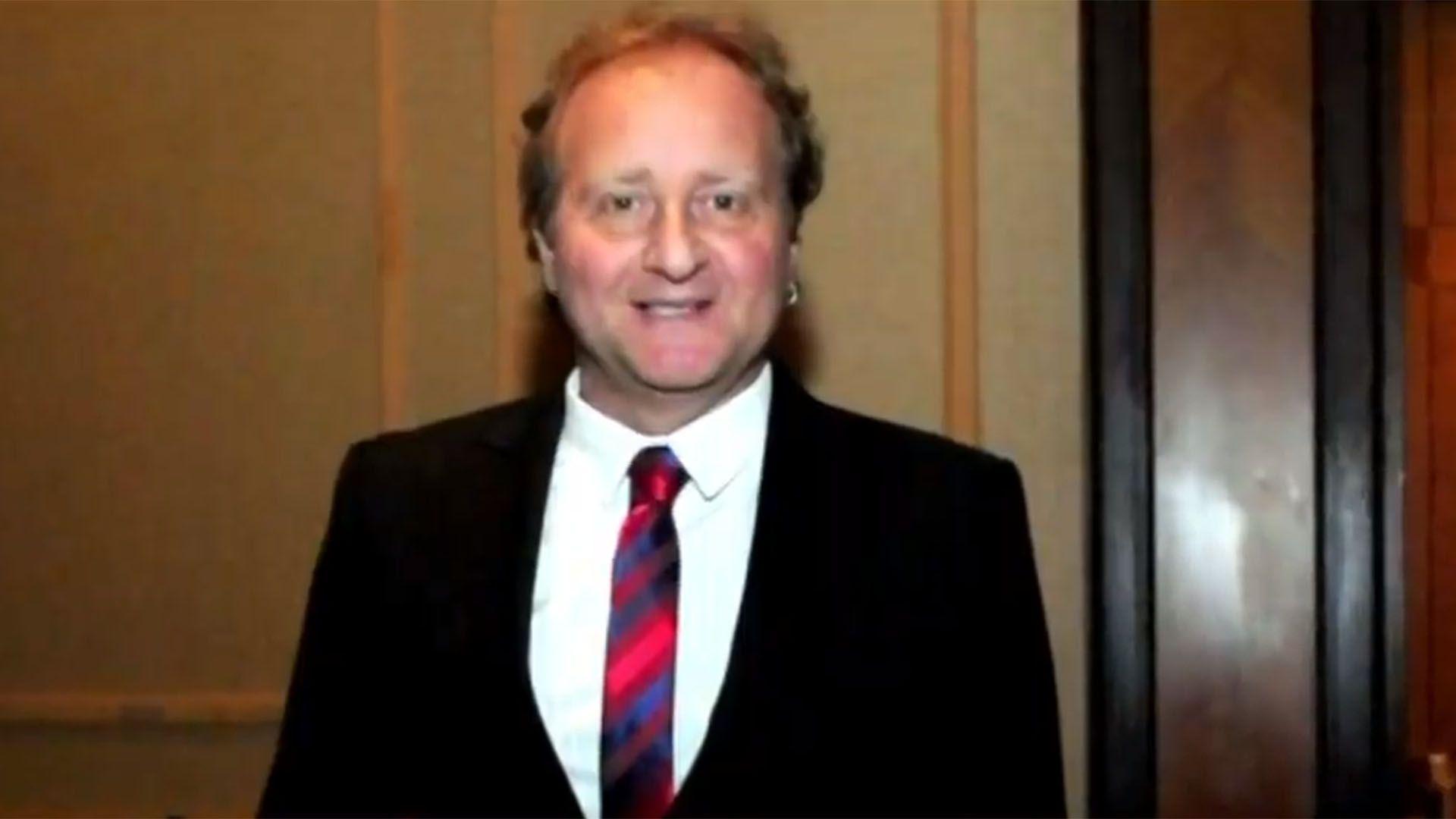 Gendler sintió los primeros síntomas de inflamación intestinal en 1997 y recibió el diagnóstico en 2000