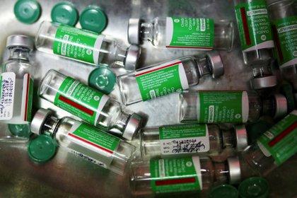 El laboratorio indio produce más de 50 millones de dosis mensuales - REUTERS