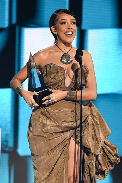 Doja Cat en los 2020 American Music Awards, en Los Ángeles. (Crédito: American Broadcasting Companies, Inc. / ABC / AFP) /
