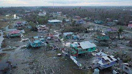 Unas 1,890 viviendas fueron destruidas totalmente por el huracán Eta en Nicaragua y otras 8,030 registraron daños parciales. Según datos oficiales, los daños económicos ascienden a 6 mil millones de córdobas (unos 172 millones de dólares). (Foto tomada de 19 Digital)