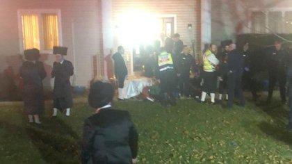Las autoridades llegaron hasta el lugar del ataque. (Twitter: @avitalrachel)