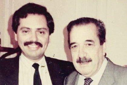 Alberto Fernández y Raúl Alfonsín. El presidente electo asumió como subdirector de Asuntos Jurídicos de Economía del gobierno del líder radical