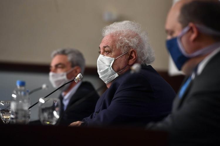 El ministro de Salud, Ginés González García, durante la conferencia de prensa de este lunes (Telam)