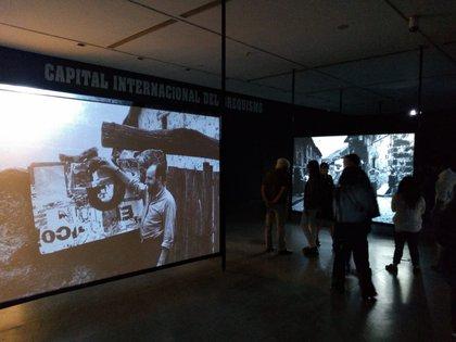 En el primer piso se desarrolla su experiencia en  el pueblo español de Piedralaves (Juan Batalla)