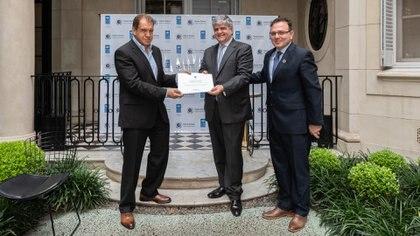 Daniel Hadad, Miguel Ángel Gutiérrez y Flavio Fuertes formalizaron la adhesión de Infobae a la Red Argentina del Pacto Global