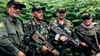 Iván Márquez, El Paisa, Romaña y Jesús Santrich, líderes de la 'Segunda Marquetalia', aparecieron en una foto, fuertemente armados y lanzando duras críticas al gobierno.