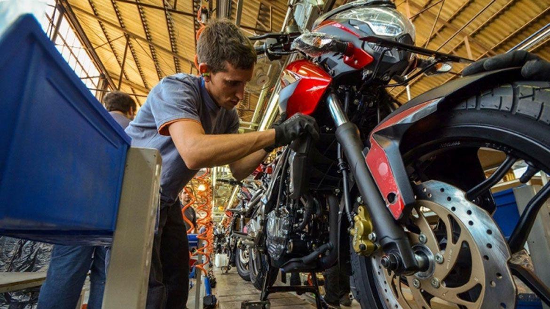 El banco ya ofrece créditos para la compra de motos de fabricación nacional