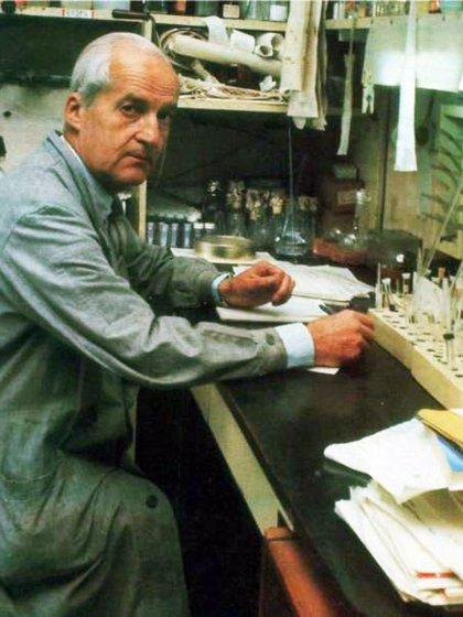 Luis Federico Leloir en su laboratorio