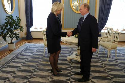 Marine Le Pen ha manifestado su admiración por Vladimir Putin (Reuters)