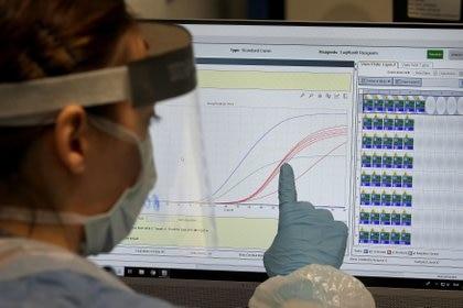 El científico militar Isaac Ben-Israel asegura que el crecimiento de nuevos casos de coronavirus no es exponencial (Andrew Milligan/Pool vía Reuters)