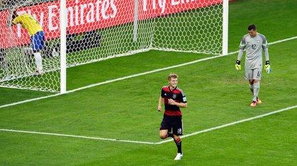 Toni Kroos marcó dos goles y fue una de las grandes figuras en el 7-1 de Alemania a Brasil en el Mundial 2014 (AP)