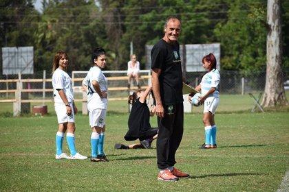 Gustavo Levine es el entrenador de Villas Unidas (Marcelinho Witteczeck)