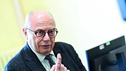 Massimo Galli habla durante una entrevista el 3 de marzo de 2020 en Milán Miguel Medina (AFP/Archivos)