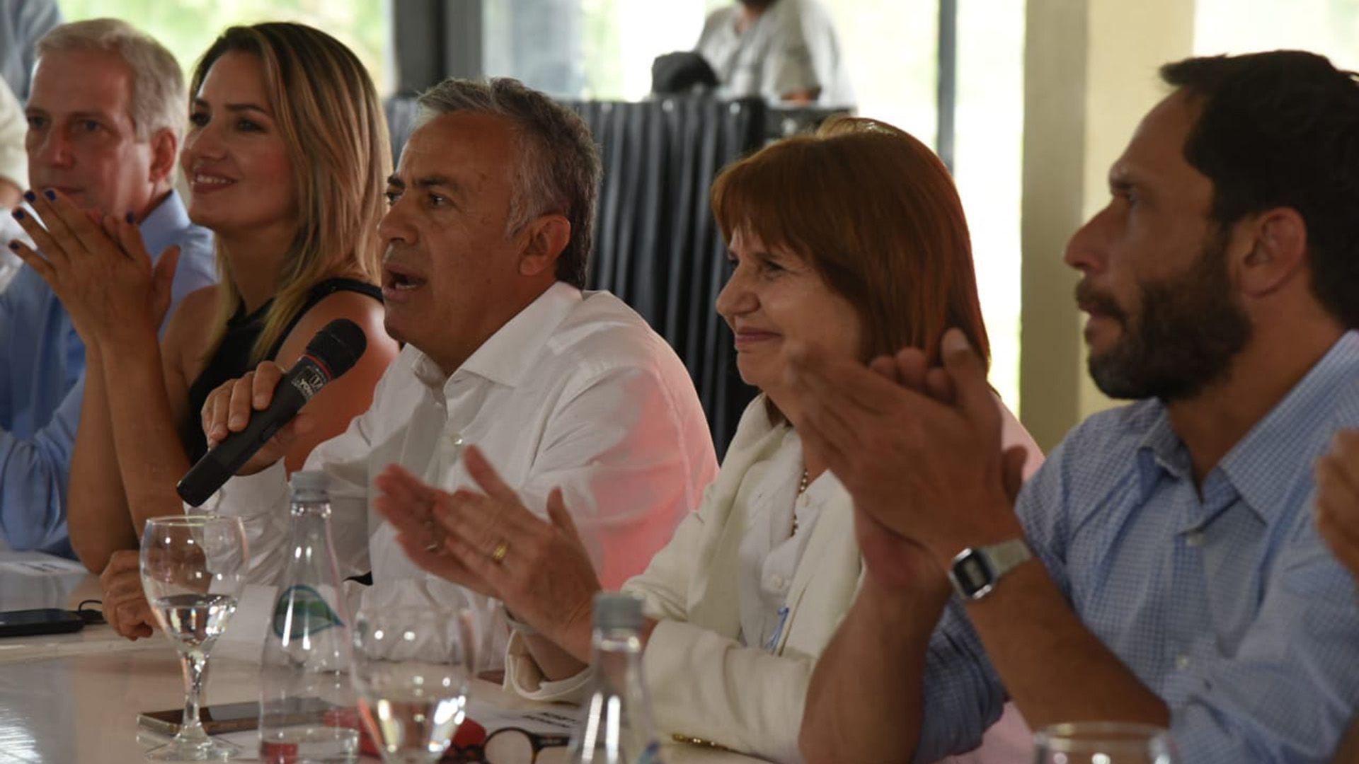 Alfredo Cornejo en la presentación de la lista de Carolina Losada en Santa Fe