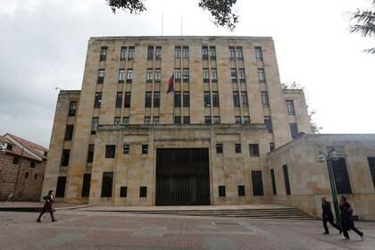 Foto de archivo. Panorámica de la sede del Ministerio de Hacienda de Colombia en Bogotá, 10 de abril, 2019. REUTERS/Luisa González