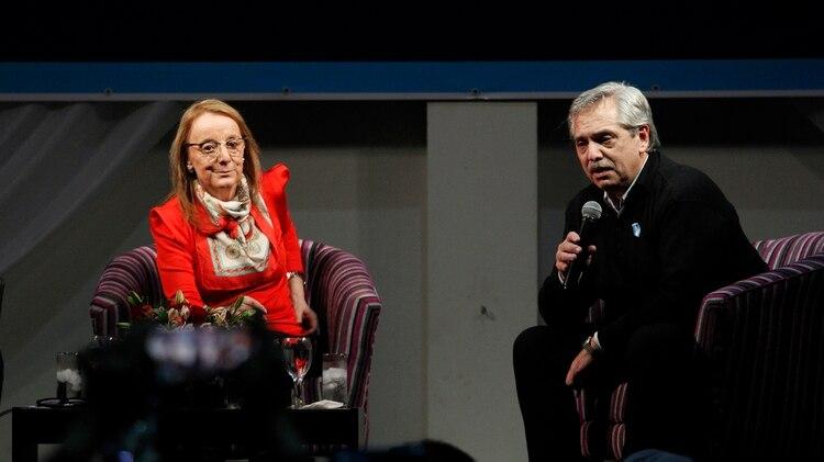 Alberto Fernández junto a Alicia Kirchner esta semana (Télam)