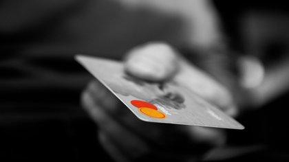 La pandemia de coronavirus orilló a algunos bancos del país a reducir la línea de crédito a sus clientes. (Foto: Pixabay)