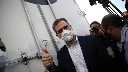 Lorenzo Córdova respondió a AMLO: INE está contra entrega de tarjetas, pero Tribunal lo permite