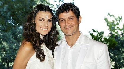 Alejandro Sanz y Raquel Perera (The Grosby Group)