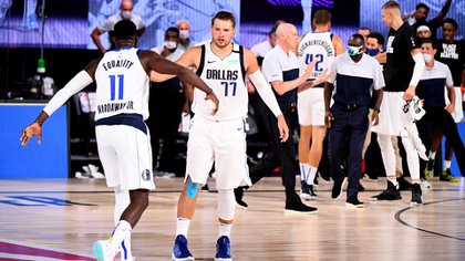 Luka Doncic logró su triple-doble número 16 en la presente temporada de la NBA (Garrett Ellwood/NBAE via Getty Images/AFP)
