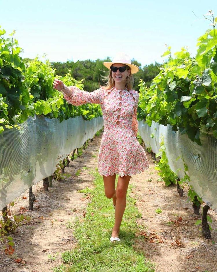 El estampado floreado en vestido con mangas largas (@angelitalc)