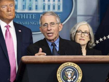 26/02/2020 26 February 2020, US, Washington: Anthony Fauci (C), Director of the National Institute of Allergy and Infectious Diseases, speaks alongside US President Donald Trump (L) during a press conference about the coronavirus, at the White House. Photo: Michael Brochstein/ZUMA Wire/dpa