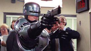 Se negó a realizar el casting por su dislexia y padeció filmar con un traje mal hecho: Peter Weller, el actor de Robocop
