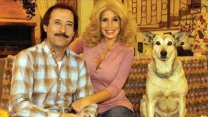 Pepe y Moni Argento junto a su mascota Fatiga