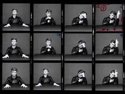 """Los contactos de """"Heroes"""". Foto de Masayoshi Sukita. © Sukita/The David Bowie Archive"""