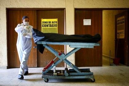 La SSa reportó 5,432 nuevos pacientes infectados, lo que representa el incremento de 2.5 por ciento respecto al pasado 29 de junio (Foto: Reuters)