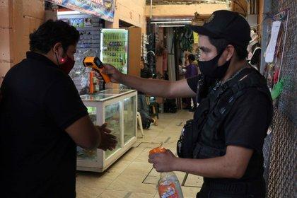 31/08/2020 Coronavirus.- México suma 4.100 nuevos casos de coronavirus y 339 muertes más en el último día.  El Ministerio de Salud de México ha confirmado este domingo 595.841 casos acumulados de coronavirus y 64.158 fallecidos, tras diagnosticar 4.129 positivos y contabilizar 339 defunciones en el último día.  POLITICA CENTROAMÉRICA MÉXICO LATINOAMÉRICA INTERNACIONAL EL UNIVERSAL / ZUMA PRESS / CONTACTOPHOTO