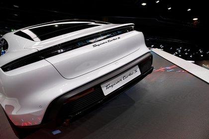 Un Porsche Taycaneléctrico