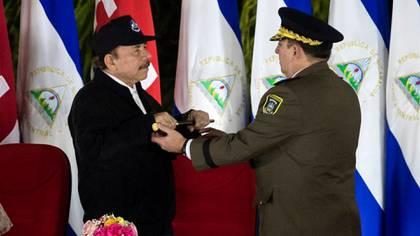 La última vez que se vio a Daniel Ortega en un acto público fue el 21 de febrero pasado, cuando confirmó en el mando del Ejército al general Julio César Avilés (Foto EFE/Jorge Torres)