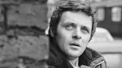 Anthony Hopkins, de 83 años, nació en Port Talbot, Gales, y es hijo de Muriel Anne y Richard Arthur Hopkins