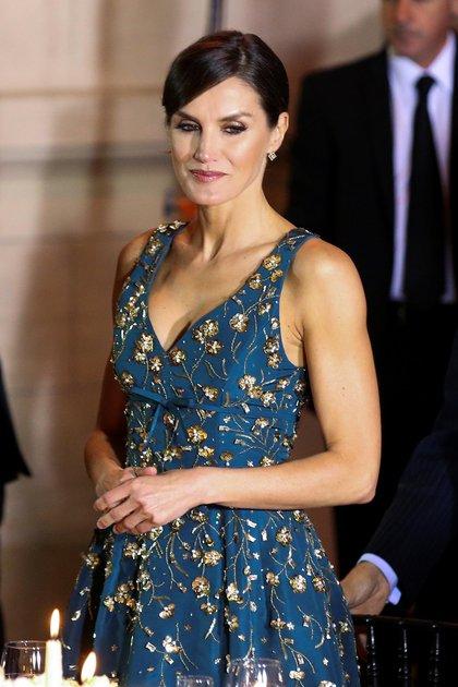 La reina Letizia optó por un diseño de la firma de moda Carolina Herrera (Reuters)