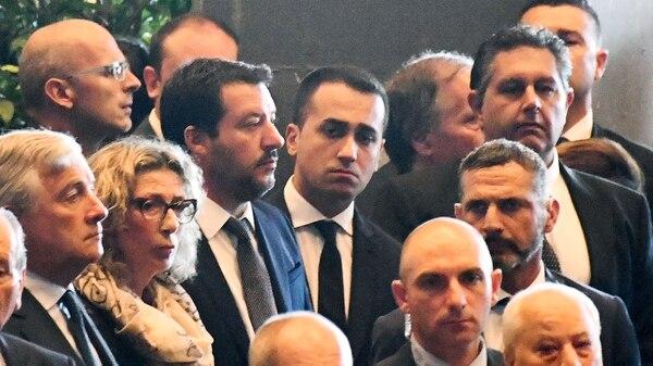 El presidente del Parlamento de la Unión Europea, Antonio Tajani, el ministro de Interior italiano, Matteo Salvini, y el ministro de Trabajo y Políticas Sociales, Luigi Di Maio (AFP)