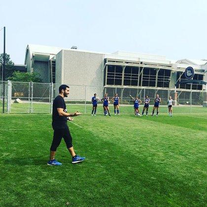 El DT sigue de cerca a la liga de Argentina y la Selección (@csub_wsoccer)