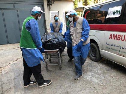 Los hospitales de la ciudad se encuentran colapsados (Humanitarian Relief Foundation/Handout via REUTERS)