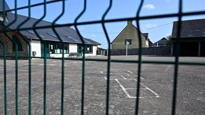 Escuela cerrada en un suburbio de Rennes (AFP)