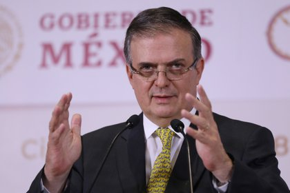 El secretario de relaciones exteriores Marcelo Ebrard, durante una rueda de prensa en Ciudad de México (México). EFE/Sáshenka Gutiérrez/Archivo