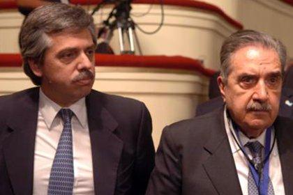Fernández reinvindicó la figura de Alfonsín durante la campaña y le valió un cruce con otros dirigentes radicales.