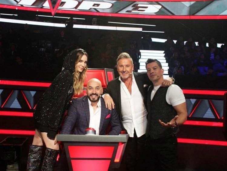 """Belinda es coach en """"La Voz México"""" junto a Lupillo RIvera, Ricardo Montaner y Yahir (Instagram: yahirmusic)"""