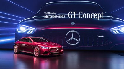 El Mercedes-AMG GT Concept es una berlina de cuatro puertas con profunda estética deportiva