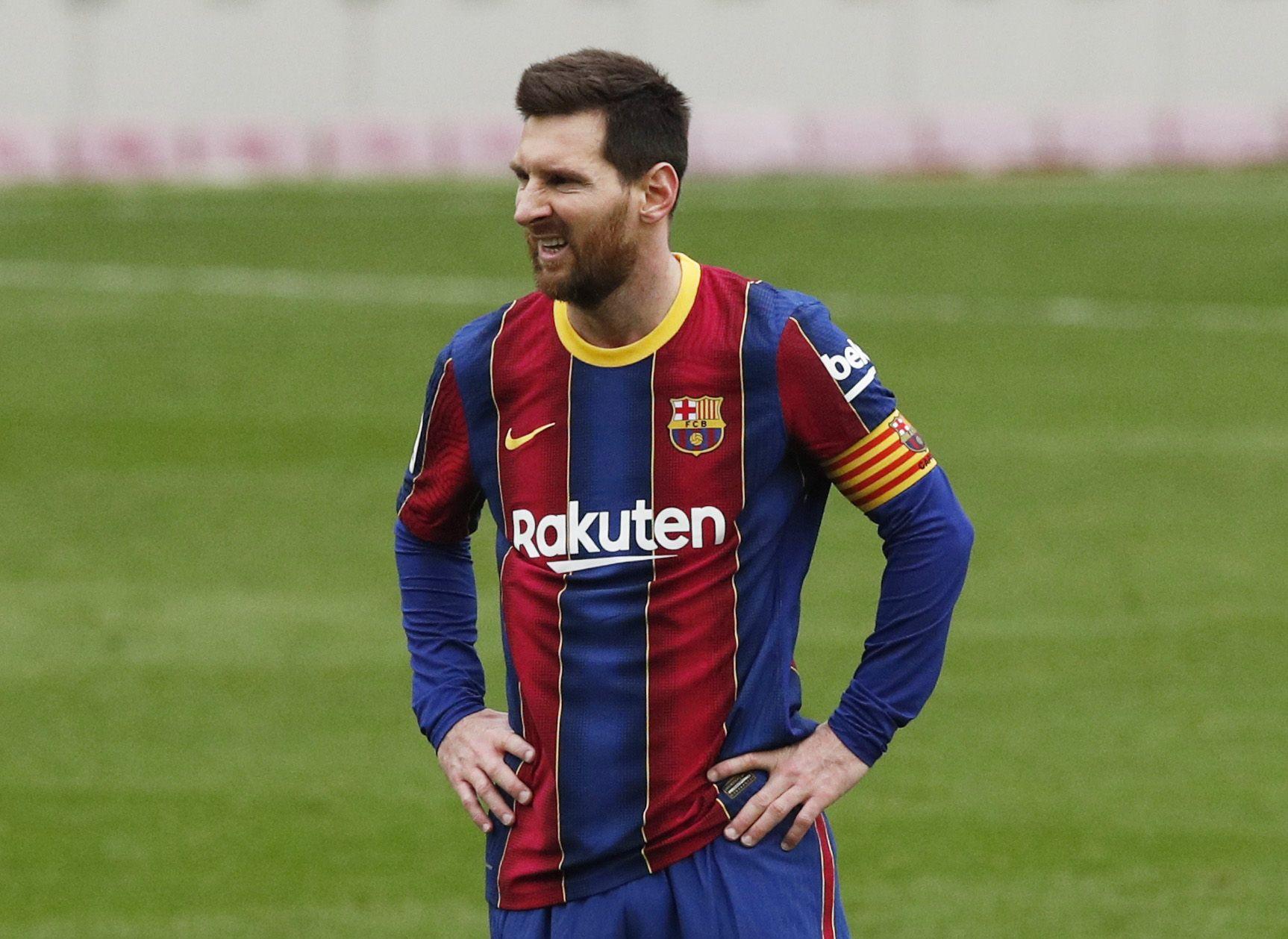 El brasileño también habló de cómo preparó los partidos cuando le tocó marcar a Lionel Messi (REUTERS/Albert Gea)