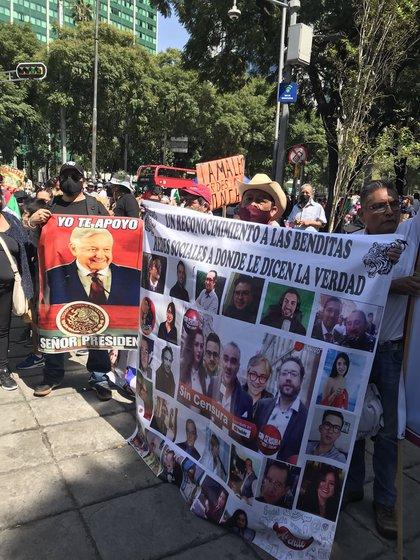 Los manifestantes llegan a Jukalo (Foto: Twitter / Elitofficial)
