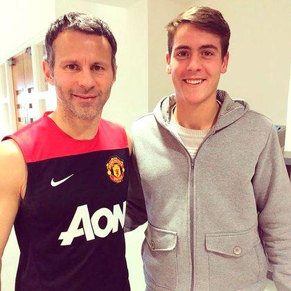 Con el galés Ryan Giggs durante su experiencia en el Manchester United (@julianchicco)
