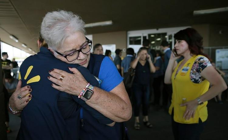 Las personas quedaron conmocionadas tras el atentado (Foto: AP)