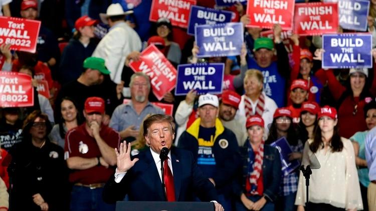 Un acto de Trump en Texas en febrero de 2019 estuvo marcado porsu promesa de construir un muro frente a México (AP)