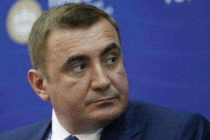 Alexei Dyumin: espanta-osos y también gobernador. (Sergei Karphukhin/REUTERS)