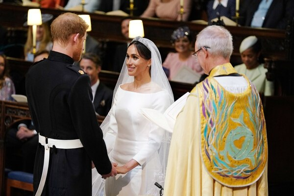 La elección de la tiara fue sorprendente, una pieza poco visto labrada íntegramente en diamantes